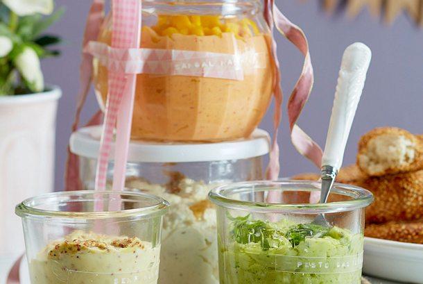 4 tolle Partydips (Parmesan-Zwiebel-Dip und Dreierlei Mayonnaisen) Rezept