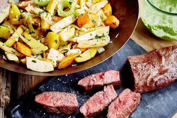 Flat-Iron-Steak mit Wok-Pichelsteiner und Nam Jim Rezept