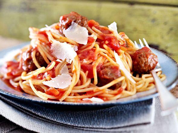 Hackbällchen in Tomatensosse mit Spaghetti Rezept