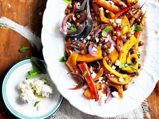 Kürbis-Kichererbsen-Salat mit Feta Rezept