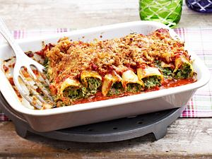 Spinat-Ricotta-Cannelloni mit Zwiebel-Brösel-Kruste Rezept