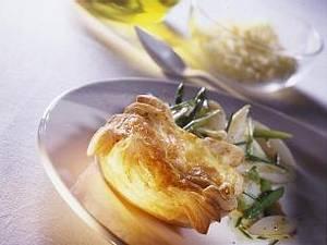 Allgäuer Käsetörtchen mit Spargelsalat Rezept