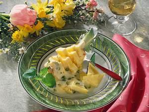 Ananas-Schiffchen mit Portweinschaumsoße Rezept