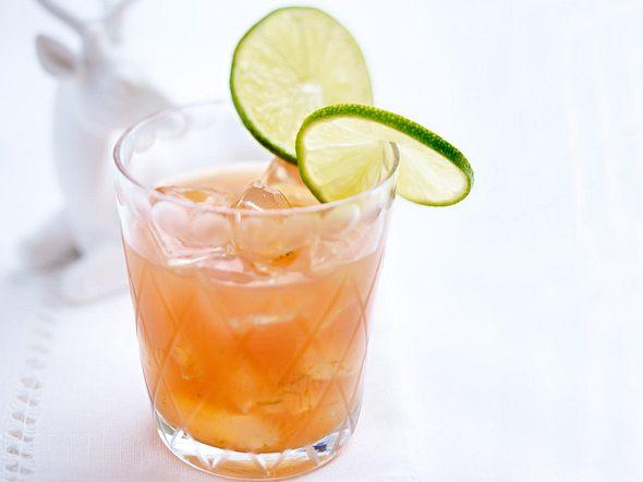Aperol mit Grapefuitsaft, Limettensaft und braunem Zucker Rezept