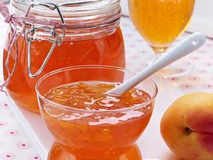 Aperol Spritz-Gelee mit Aprikosen Rezept