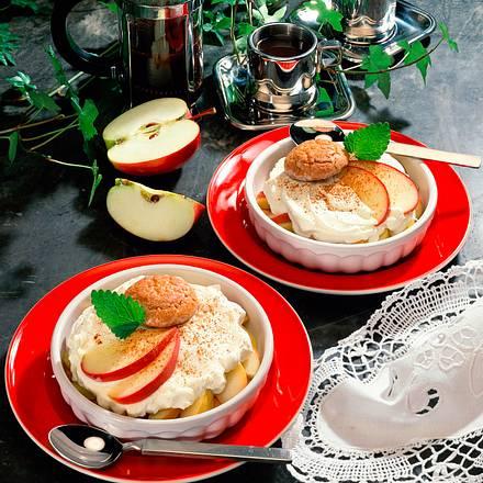Apfel-Makronen-Dessert Rezept