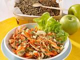 Apfel-Möhren-Salat mit Sprossen Rezept