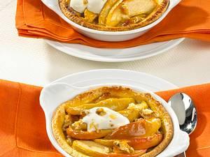 Apfel-Törtchen mit Walnuss-Makronenmasse Rezept