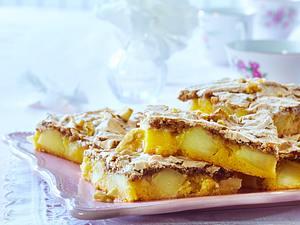 Apfel-Topfen-Kuchen vom Blech mit Walnussschaum Rezept