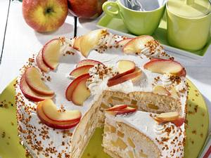 Apfel-Torte auf Marzipan-Nussboden Rezept