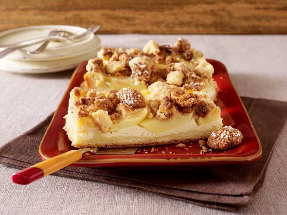 Apfel-Vanillecreme-Kuchen mit Amarettini-Streusel Rezept