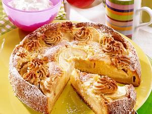 Apfelkuchen mit Makronenfüllung Rezept