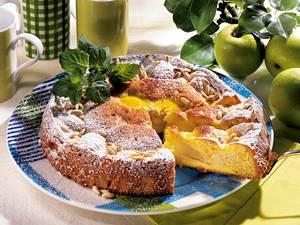 Apfelkuchen mit Pinienkernen Rezept