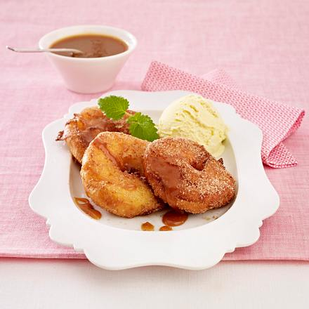 Apfelküchlein mit Eis Rezept