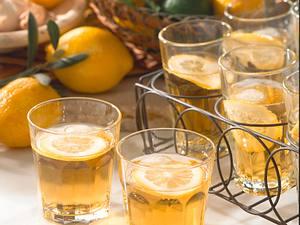 Apfelsaft mit Amaretto Rezept