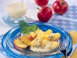 Apfelspalten mit Weinschaum Rezept