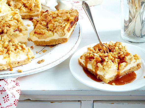 Apfelstreuselkuchen mit Karamellsoße Rezept