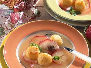 Apfelsuppe mit Zimtklößchen Rezept