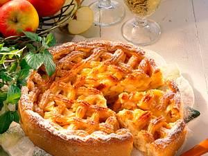Apfeltorte mit Marzipangitter Rezept