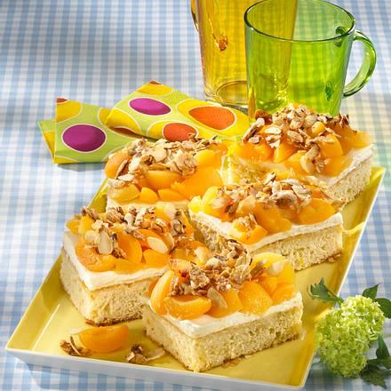 Aprikosen-Bienenstich Rezept
