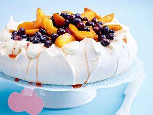 Aprikosen-Blaubeer-Pavlova Rezept