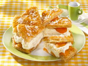 Aprikosen-Kokoscreme-Kuchen Rezept