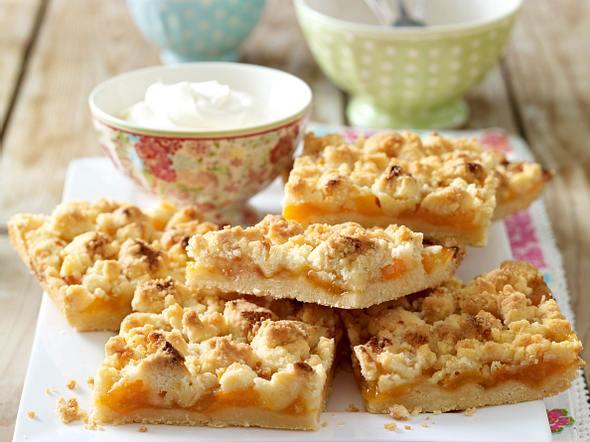 Aprikosen-Prassel-Kuchen Rezept