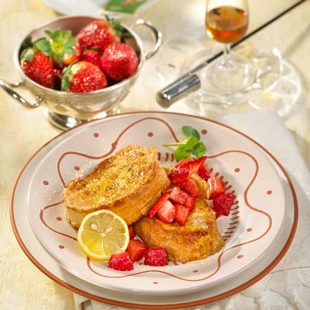 Armer Ritter mit marinierten Erdbeeren Rezept