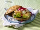 Asia-Burger mit gebratenem Fischfilet Rezept