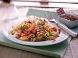 Asia Noodles mit Erdnusssoße und Garnelen Rezept