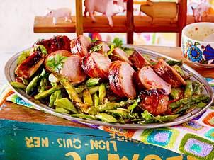 Asiafilet im Baconmantel mit Pfannenspargel
