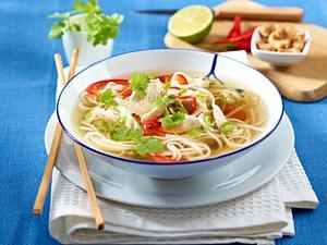 Asiatische Reisnudelsuppe mit Hähnchen Rezept