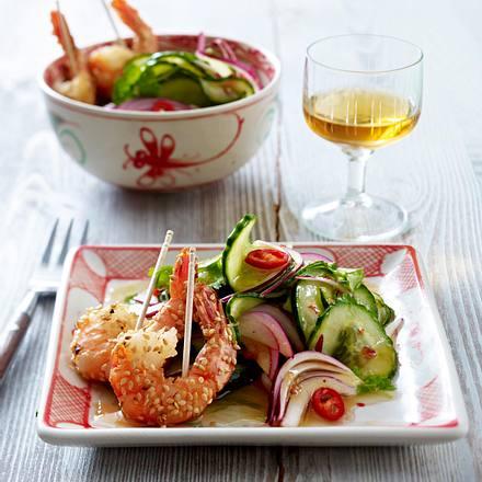 Asiatischer Gurkensalat mit Sesam-Garnelen Rezept