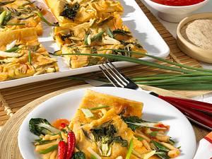 Asiatischer Pfannkuchen vom Blech Rezept