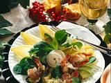 Avocado-Garnelen-Cocktail mit Chicoree und Feldsalat Rezept