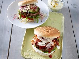 Bacon-Burger mit Parmesan Rezept
