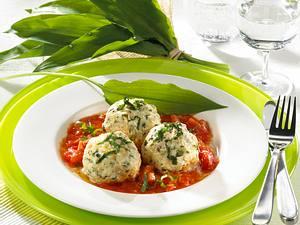 Bärlauch-Knödel auf Tomatensugo Rezept