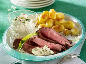 Bärlauch-Radieschen-Remoulade zu Roastbeefaufschnitt und Röstkartoffeln Rezept