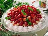 Baiserboden mit Zitronencreme und Erdbeeren Rezept