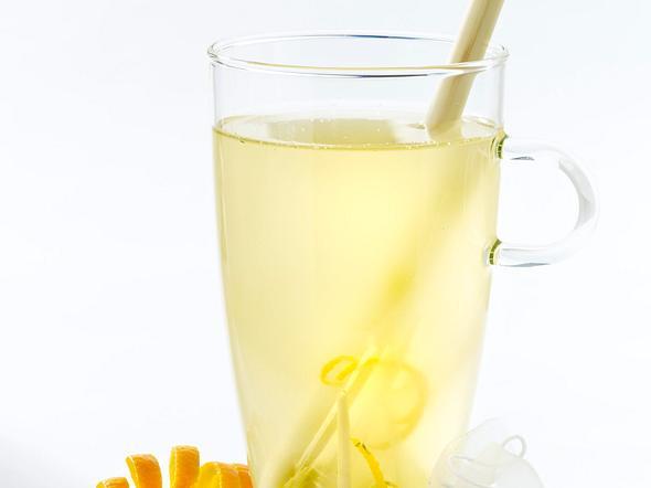 Bambustee mit Zitronengras und Orange Rezept