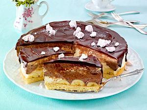 Banana-Split-Kuchen mit Schokoguss Rezept