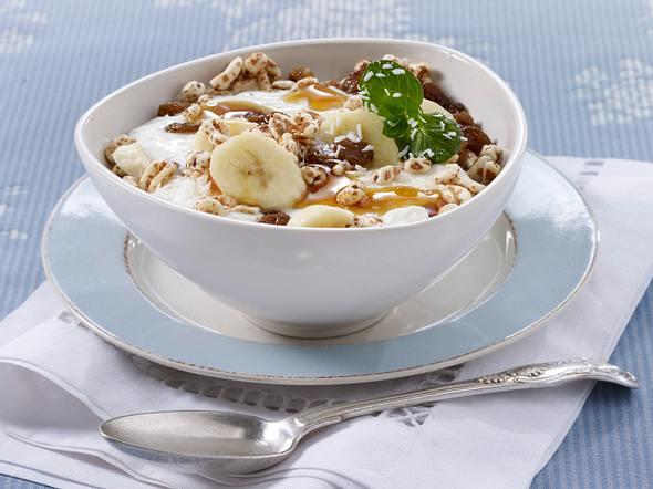 Bananen-Müsli mit Kokos-Joghurt Rezept