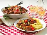 Bandnudeln mit Rindfleisch-Tomaten-Gulasch Rezept