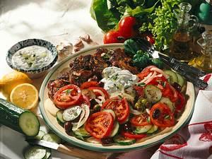 Bauernsalat & Tsatsiki zu Nackensteaks Rezept