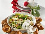 Bayrisch-Kraut-Salat mit Mini-Buletten Rezept