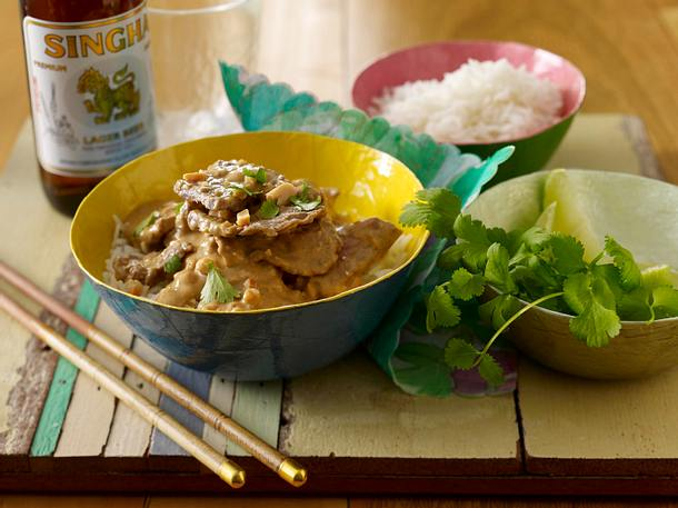 Beef Curry in Erdnuss-Soße mit Reis Rezept