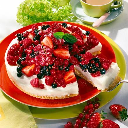 Beeren-Kuppel-Torte Rezept
