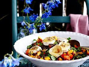 Beluga-Hokkaido-Salat mit Ziegenkäse und Walnüssen Rezept