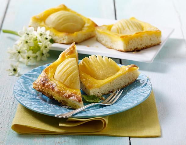 Birnen-Blechkuchen mit Eierguss Rezept