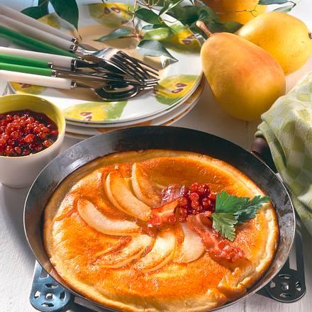 Birnen-Pfannkuchen mit Speck und Preiselbeeren Rezept